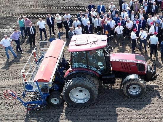 новые беспилотные тракторы МТЗ прошли тестирование