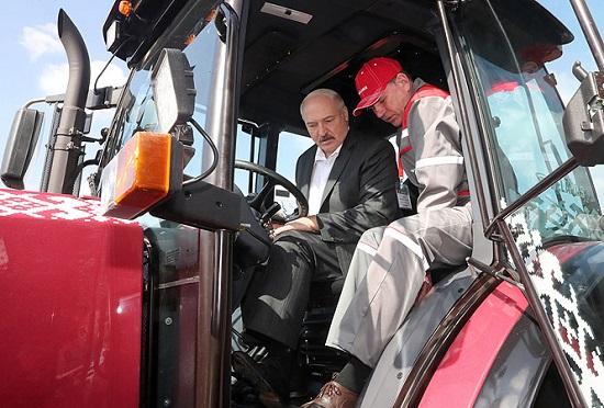 Выставка тракторов МТЗ в Молдове