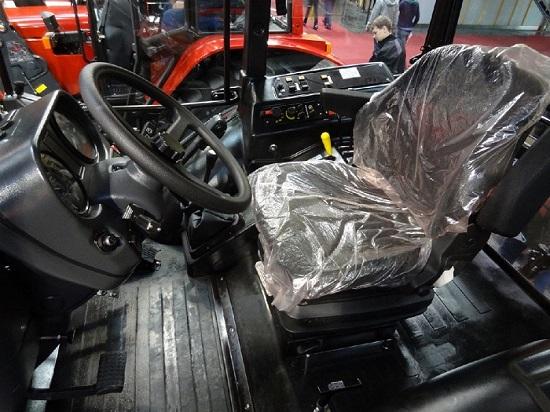 салон трактора беларус 2022