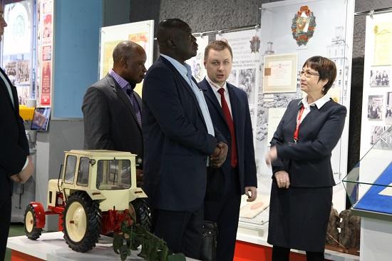 Зимбабве и трактора МТЗ