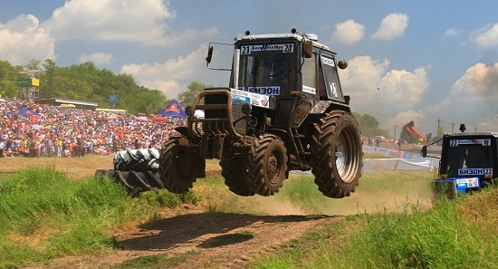 Бизон Трак Шоу гонки на тракторах