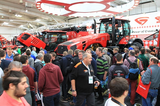 тракторы МТЗ на выставке в Гонновере