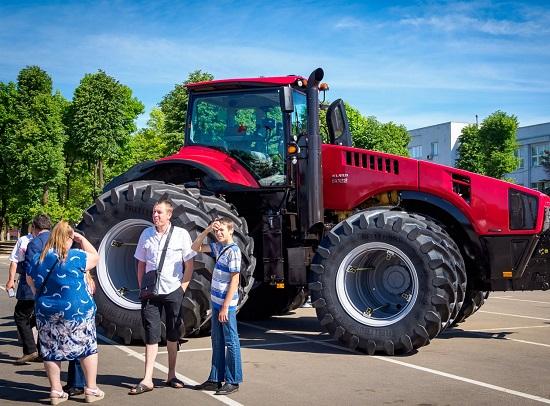 Трактор МТЗ Беларус - новинка