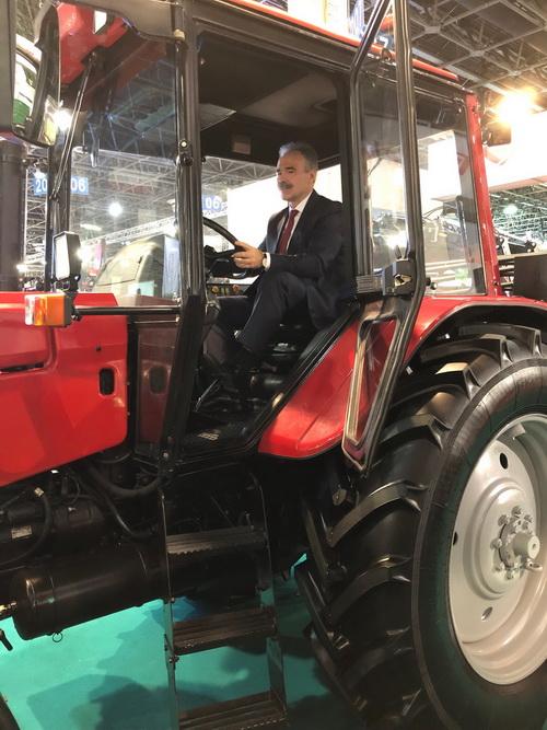 Минский тракторный завод увеличит экспорт тракторов в Венгрию.