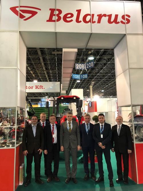 Трактора МТЗ на выставке в Венгрии