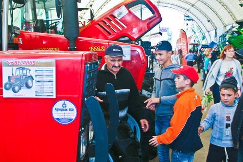 выставка тракторов МТЗ
