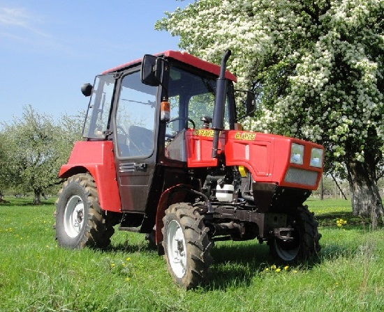 обзор трактора мтз 320 4 М преимущества модели