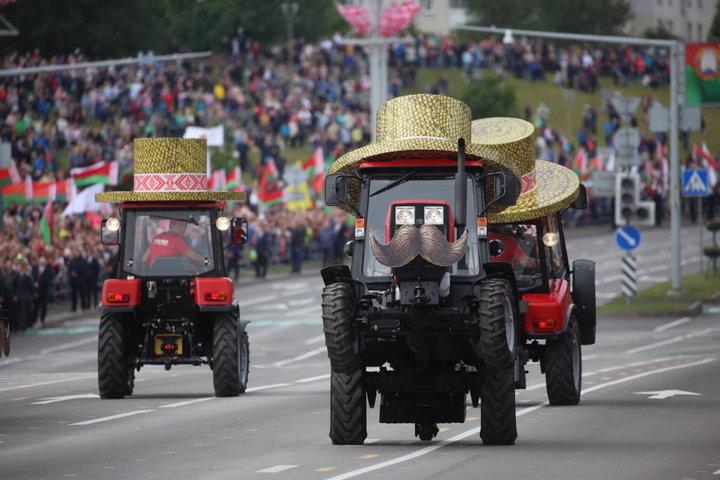 танец тракторов МТЗ