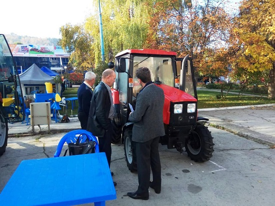 тракторы мтз и бзтдиа на выставке в Молдове